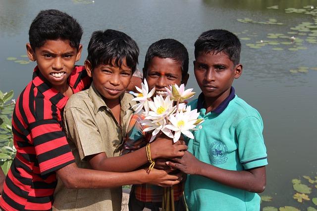 インド人の男の子たち