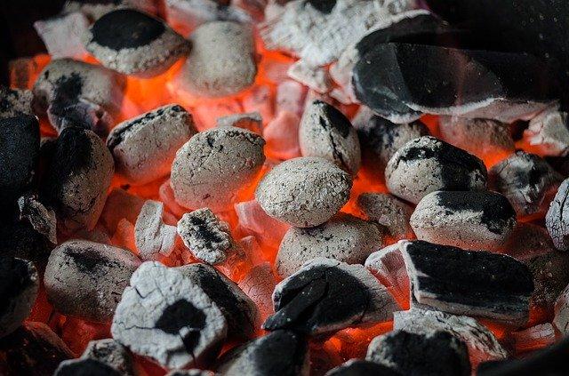 バーベキュー(BBQ)初心者のやり方 火の着け方や消し方は?