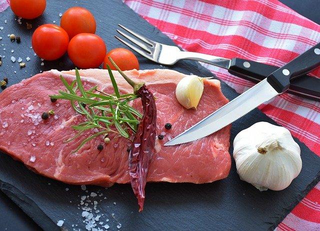 バーベキュー(BBQ)の肉 一人前はどのくらい?