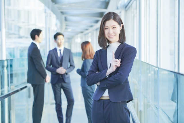どんな職場にも棲息してる?あざとい女の特徴とは!?