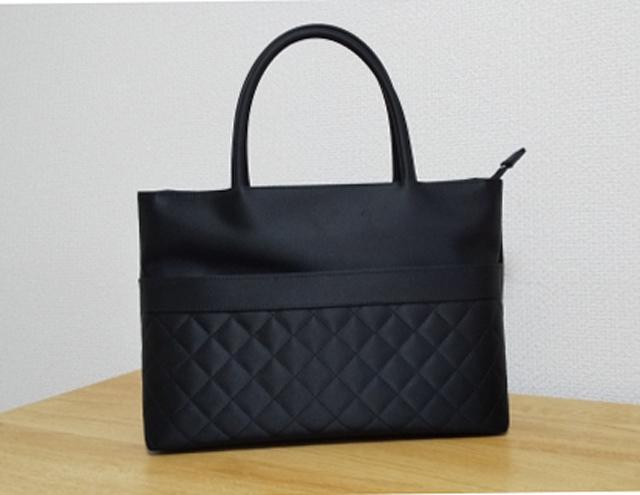 フォーマルのバッグ