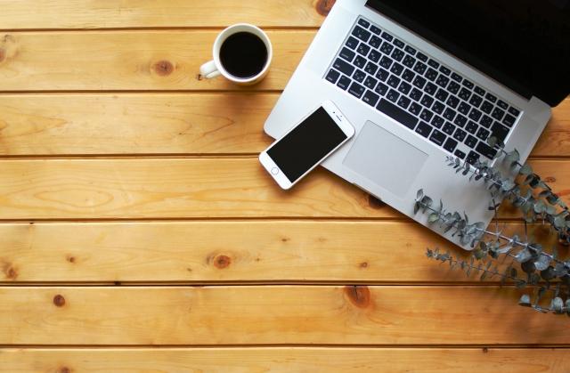 Macとスマホとコーヒー